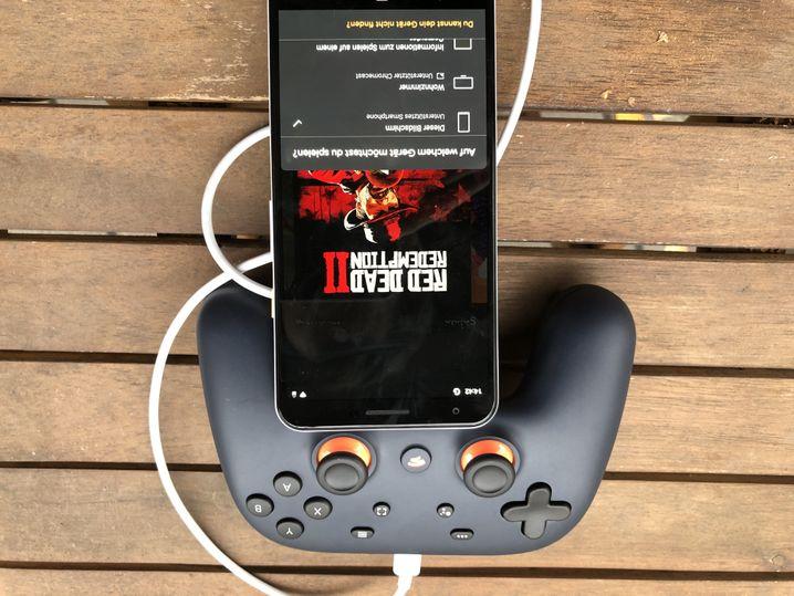 Pixel-3a-Smarthphone mit Stadia-App