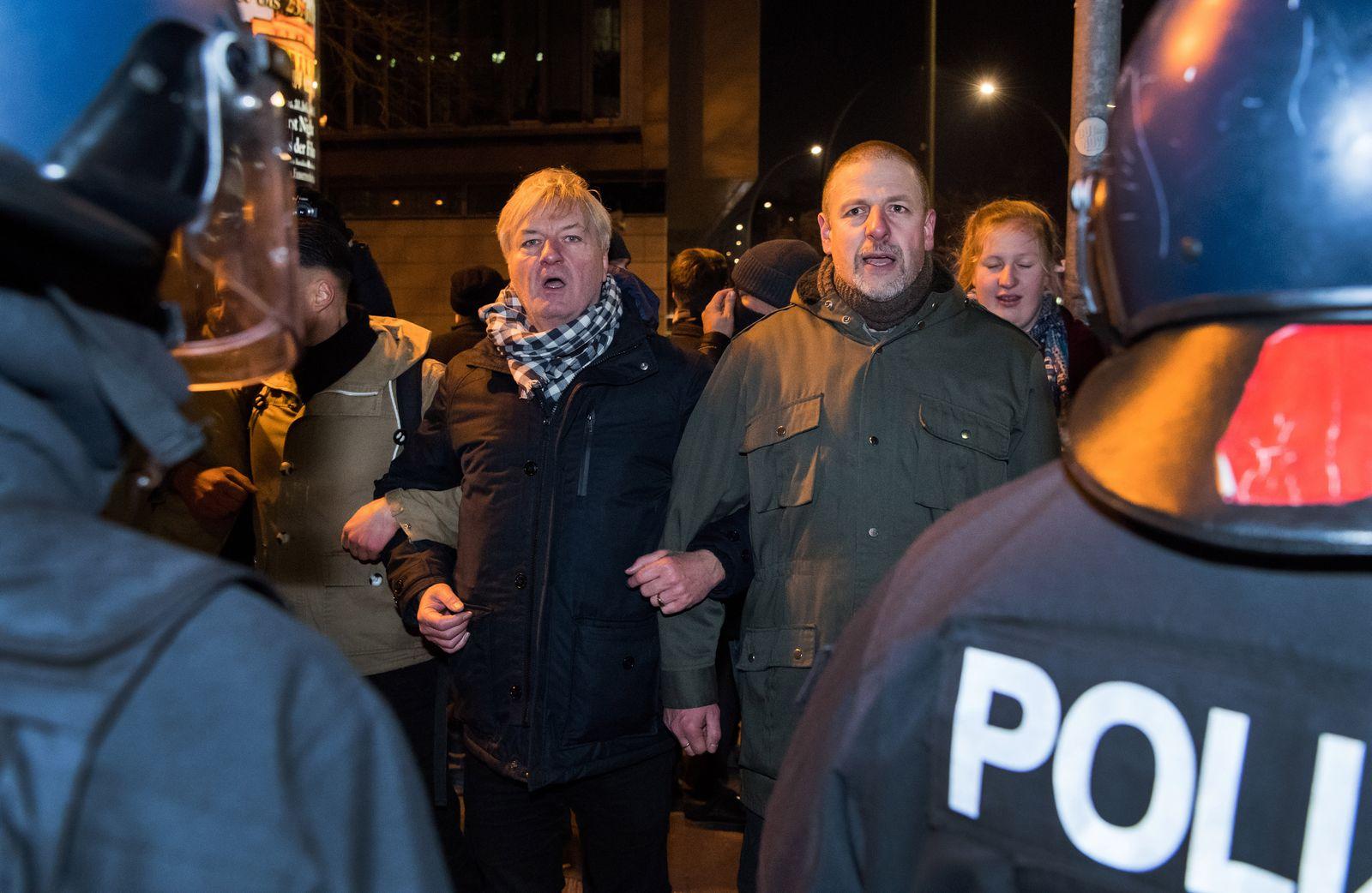 Blockade der Identitären Bewegung vor der CDU-Zentrale