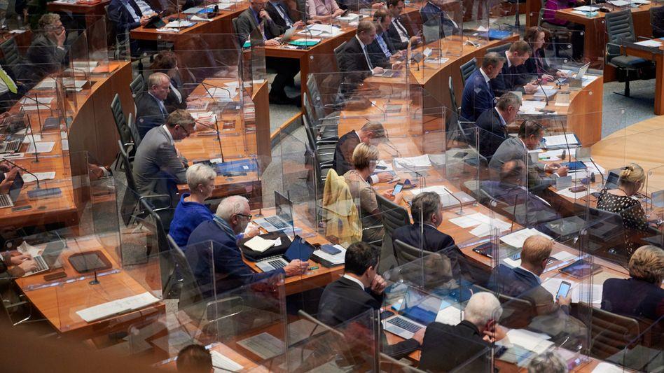 Landtag in Düsseldorf: Mit großer Mehrheit wurde für das Verbot gestimmt