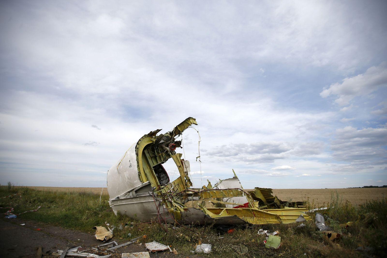 UKRAINE-MH17/BODIES