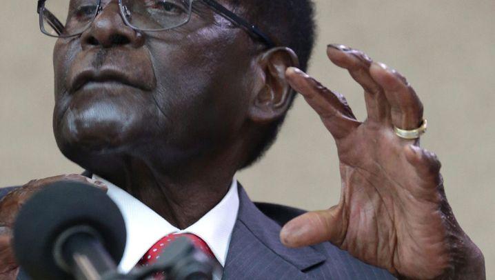 Robert Mugabe: Entgleitet dem greisen Despoten die Macht?
