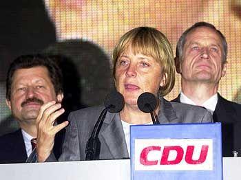 September 2002: Merkel mit Hohmann bei einer Wahlkampf-Veranstaltung in Fulda