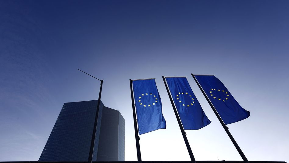 EZB-Zentrale in Frankfurt am Main: 50 Milliarden Euro im Monat?