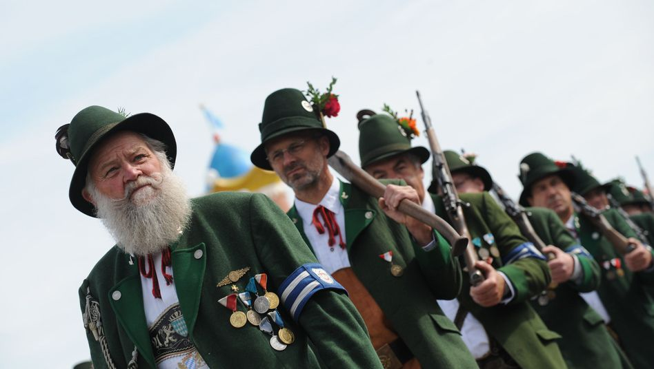 Trachtenumzug auf dem Oktoberfest: Deutschlands beliebtester Dialekt wird in Bayern gesprochen