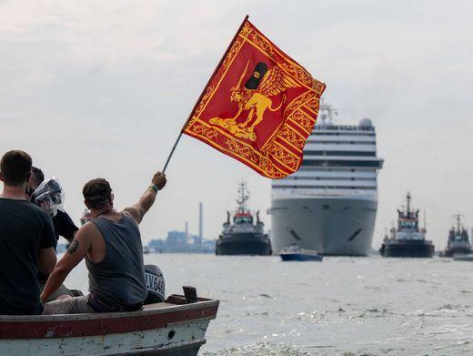 Protest gegen Kreuzfahrtschiff in Venedig (im Juni 2021)