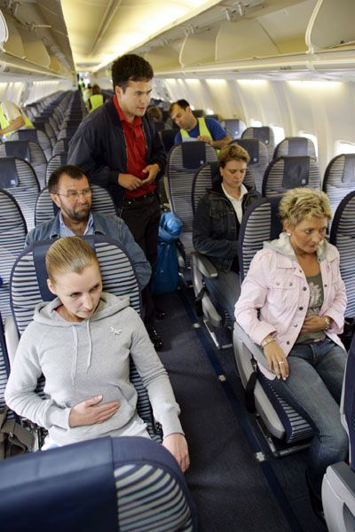 Teilnehmer beim Flugangst-Seminar (Archiv): Leser berichten von flauen Gefühlen beim Fliegen