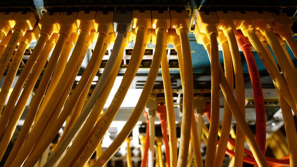 Serverraum: US-Behörden haben Domains und Rechner von Megaupload beschlagnahmt