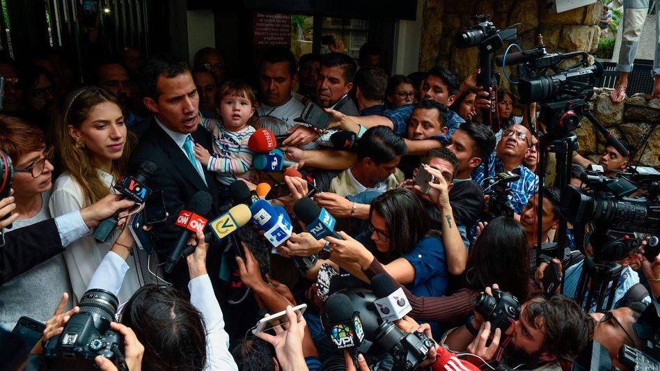 Juan Guaido bei einem Statement vor der Presse