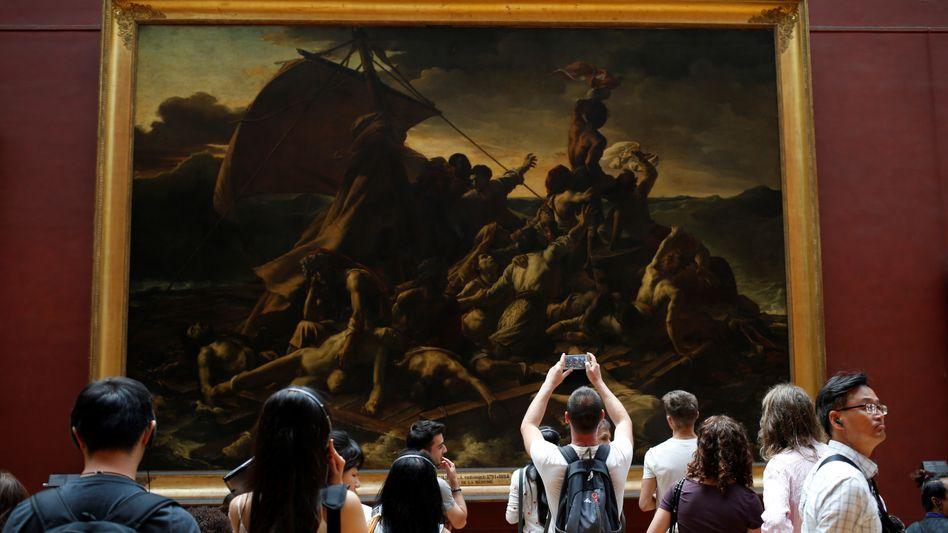 Besucher im Pariser Louvre
