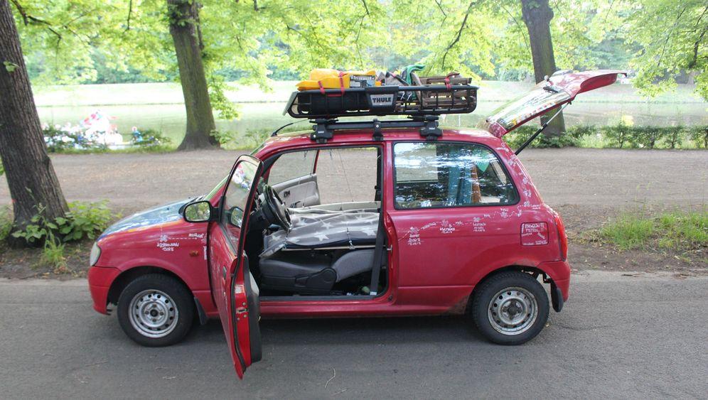 Schlafen im Auto: Der Fahrtenzwerg