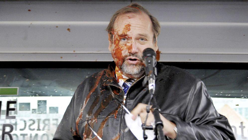Duisburg: Ketchup-Attacke auf OB Sauerland
