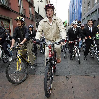 Mexico Citys Bürgermeister Marcelo Ebrard: Stadt per WLAN vernetzen und künftig einmal pro Monat mit dem Rad zur Arbeit fahren
