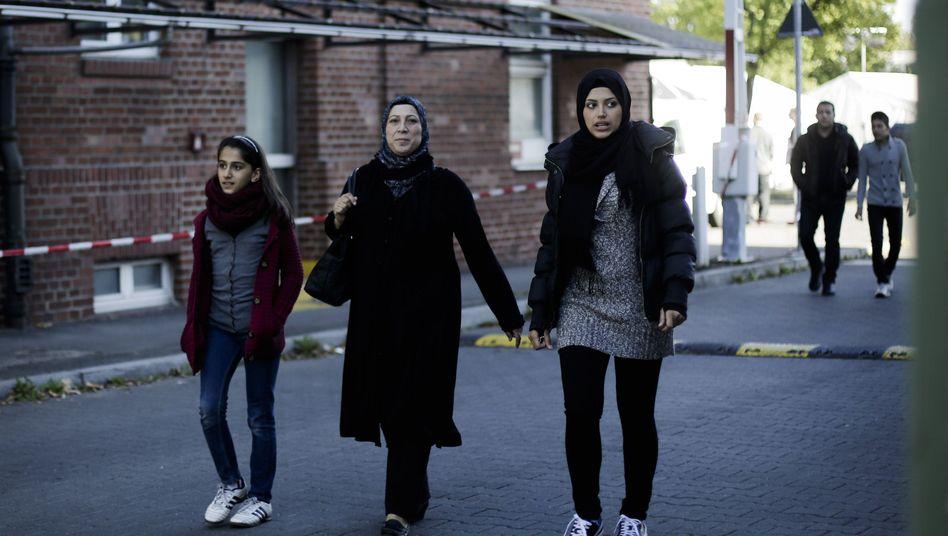 Syrische Flüchtlinge in Berlin: Im August wurde über 16.769 Asylverfahren entschieden