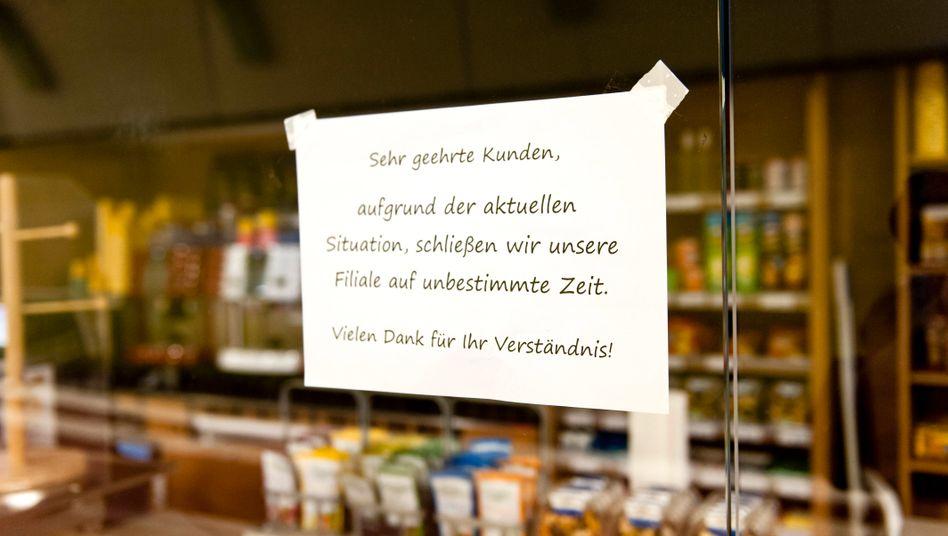 Wegen der Coronakrise geschlossenes Geschäft in Hamburg