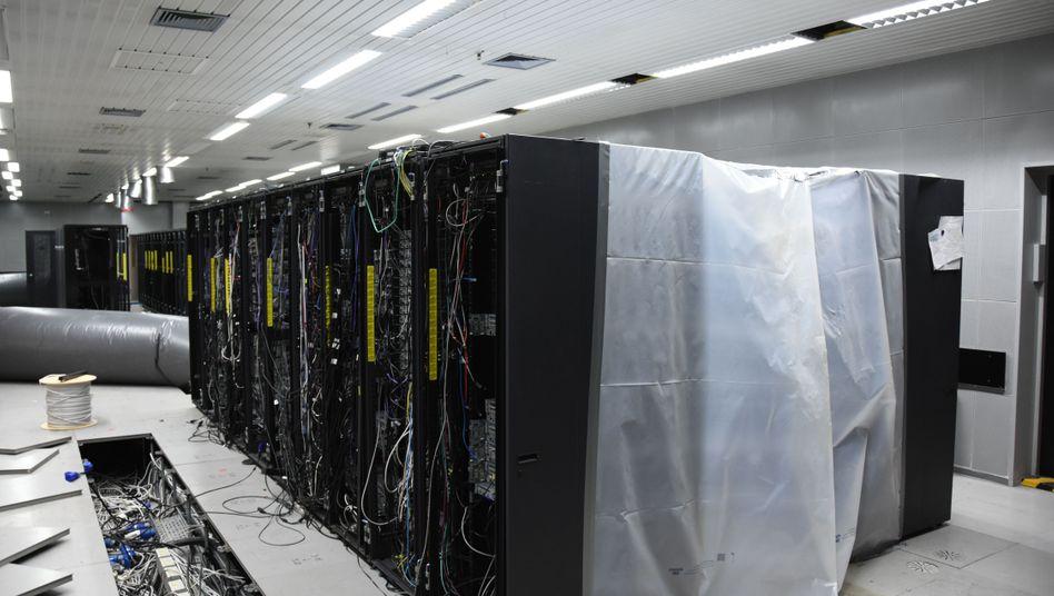 Server-Racks im sogenannten Cyberbunker