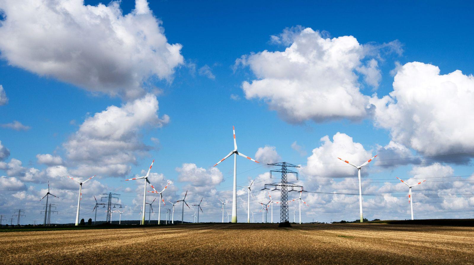 Windräder / Windenergie / Windkraft / Windkraftanlage / Windkraftanlage