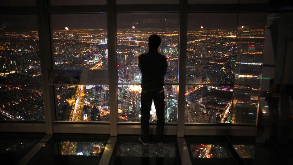 Shanghai by night: Die Zahl der Pleiten nimmt zu, Bosse ergreifen die Flucht