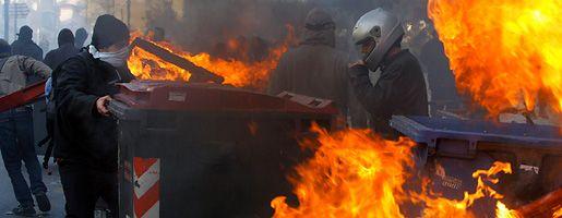 Heftige Krawalle in Athen: Straßenschlachten halten Griechenland in Atem