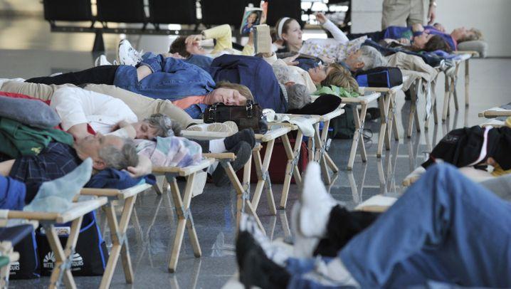 Frankfurter Flughafen: Stillstand wegen Aschewolke