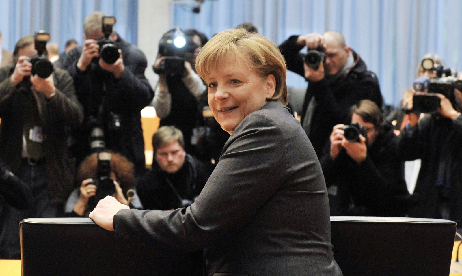 NICHT VERWENDEN Angela Merkel im Kunduz-Ausschuss