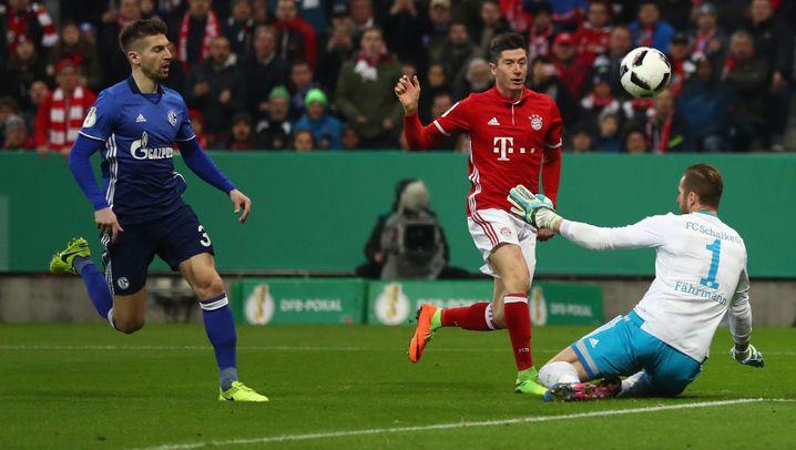 Pokal-Niederlage in München: Chancenlose Schalker