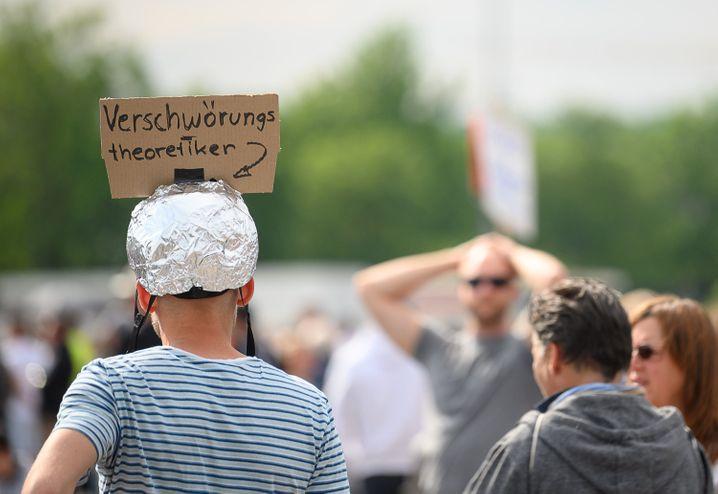 Demonstration gegen Corona-Beschränkungen im Mai 2020 in Stuttgart