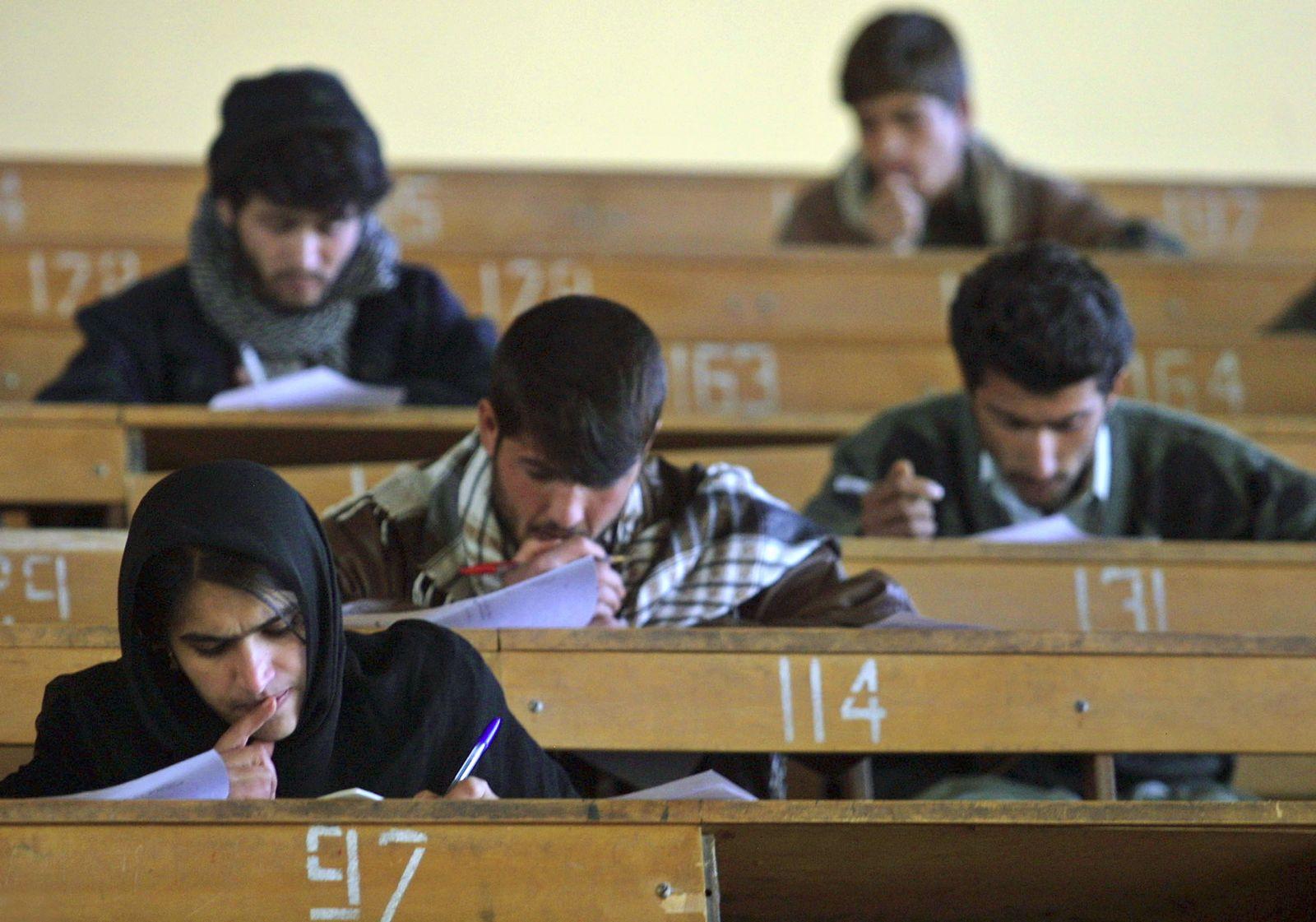 Afghanistan / Studenten #1