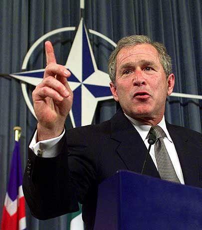 US-Präsident George Bush: Biowaffen-Forschung verstößt nicht gegen geltendes Recht