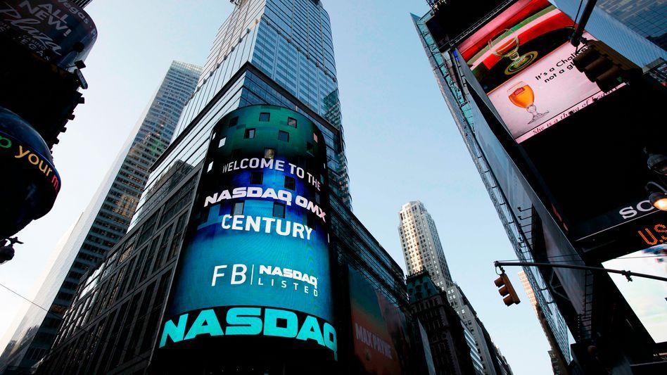 Debüt in New York: Facebook-Aktien starten mit hektischen Kursschwankungen
