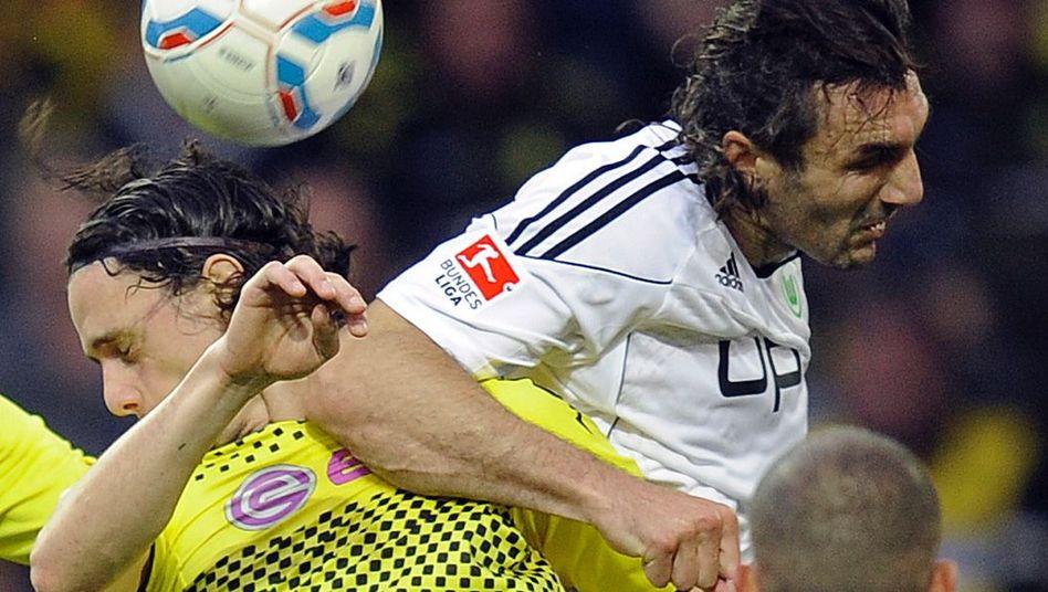 Innenverteidiger Subotic (l.): Mittelgesichtsbruch im Spiel gegen Wolfsburg