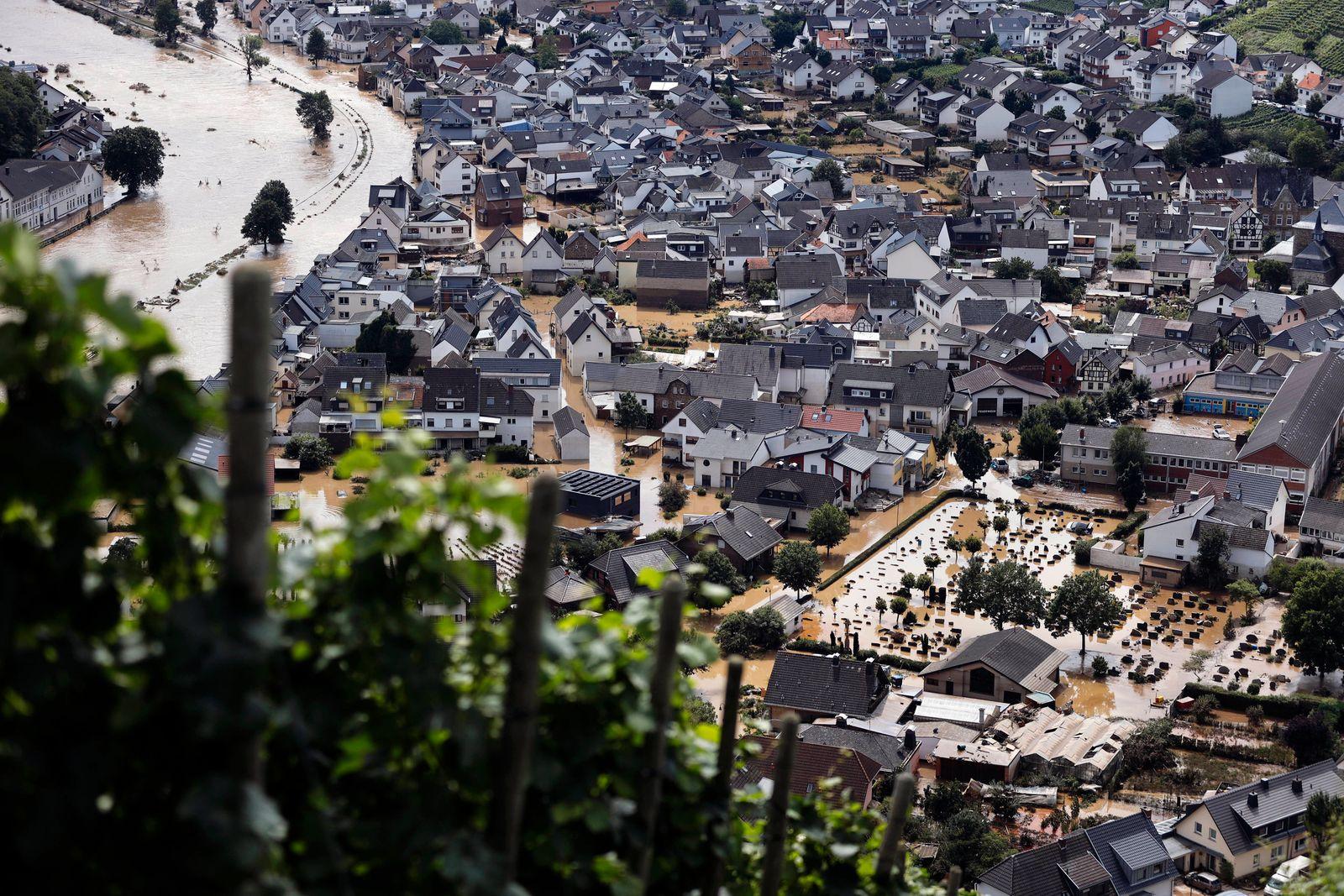 In der Eifel haben heftige Regenfälle und Dauerregen für Überschwemmungen und Überflutungen gesorgt. Im Ahrtal trat der