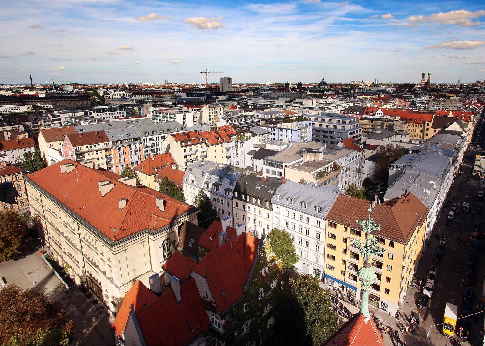 D?chermeer und H?user in der Innenstadt M¸nchen, Bayern, Deutschland *** Roof sea and houses in downtown Munich Bavaria