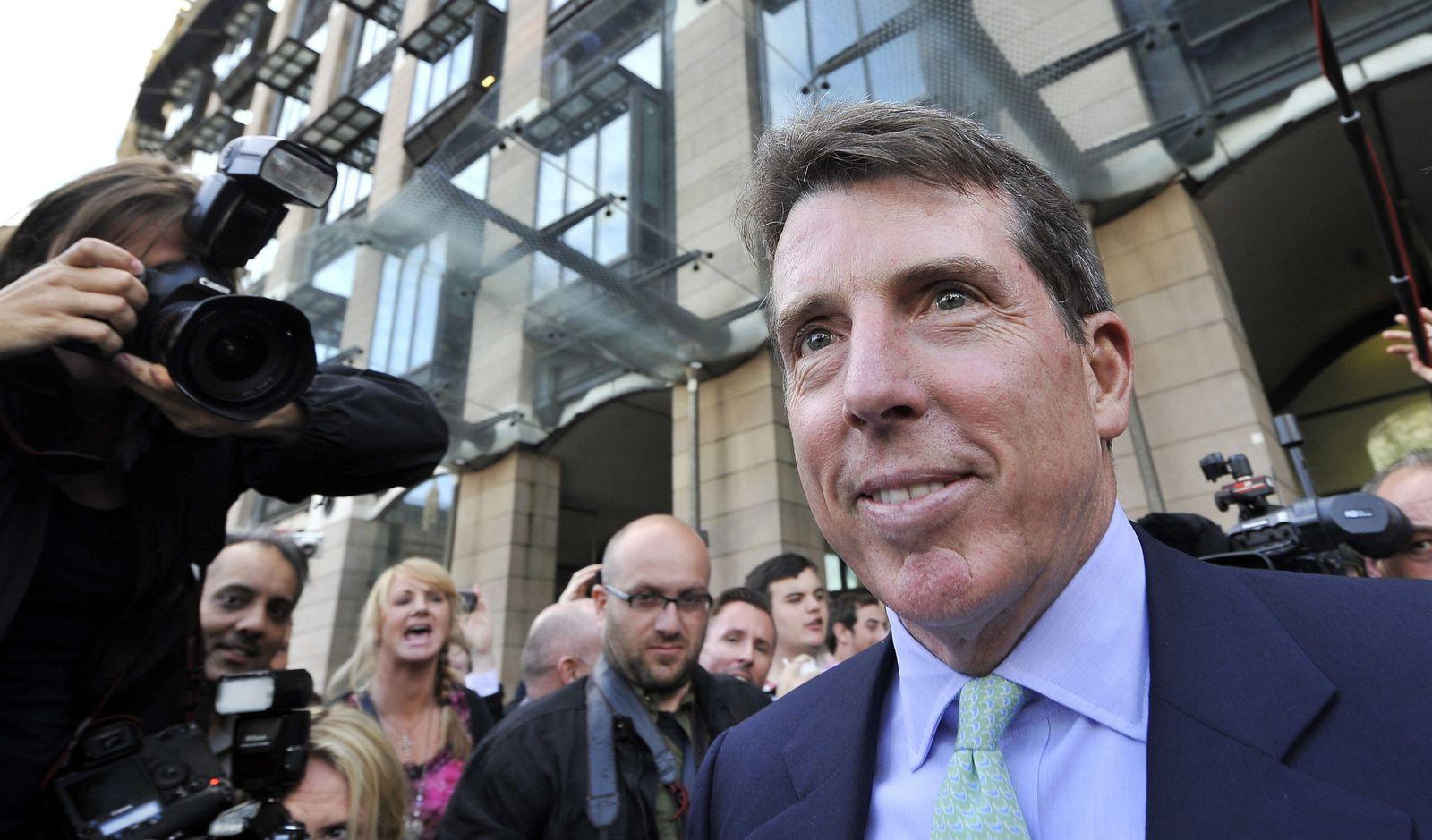 Former Barclays CEO Bob Diamond leaves the Treasury Select Commit