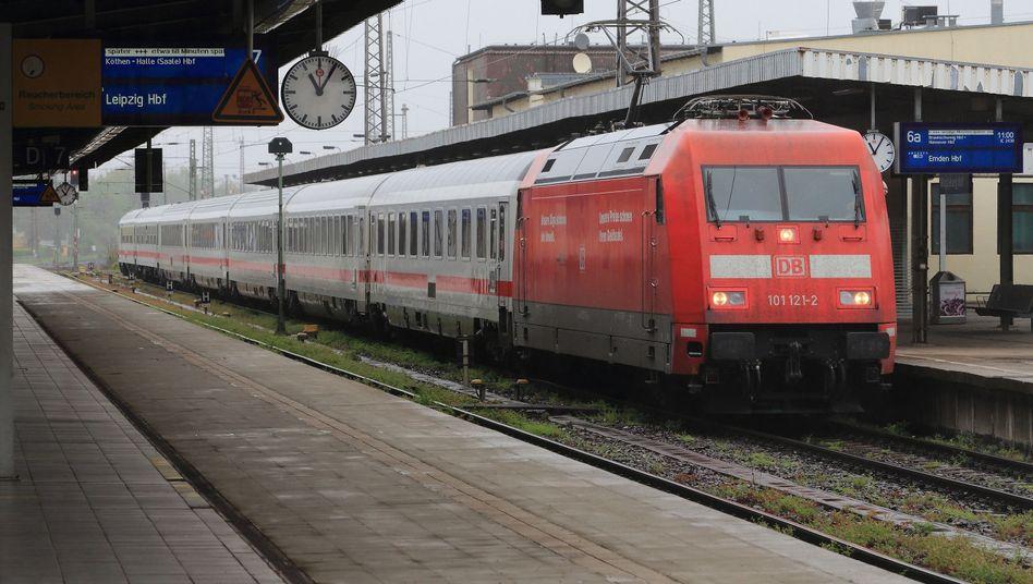 IC in Magdeburg (Archivbild): Züge sollen eine Woche lang still stehen
