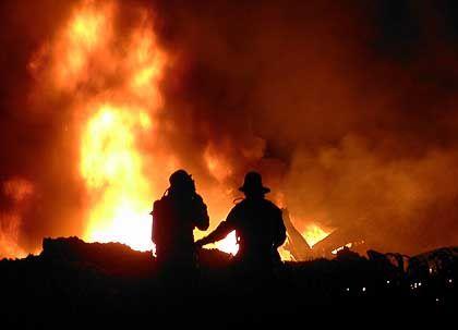 Katastropheneinsatz nahe Überlingen: Brennende Wrackteile
