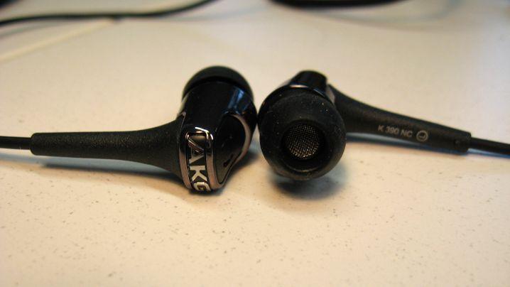 In-Ohr-Kopfhörer: AKG 390NC