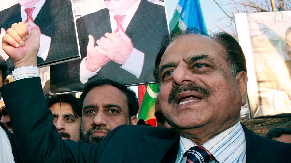 Retired general Hamid Gul, a former head of Pakistan's ISI military intelligence service.