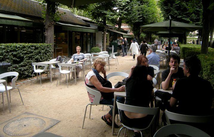 Musée Rodin: Muffins unter Linden