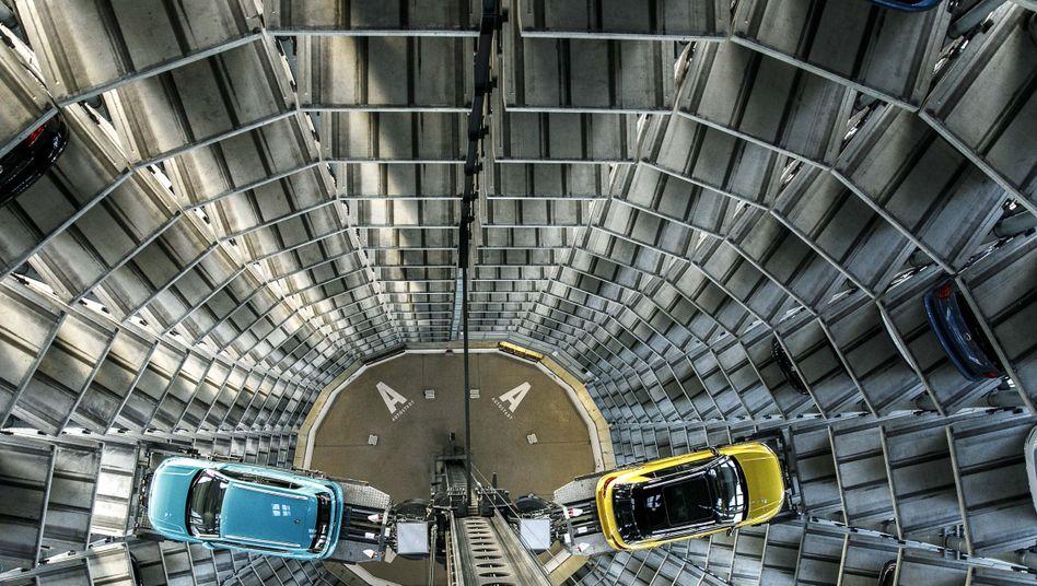 VW-Fahrzeuge in der Volkswagen-Autostadt: Der Wolfsburger Konzern gehört noch zur Gewinn-Weltspitze