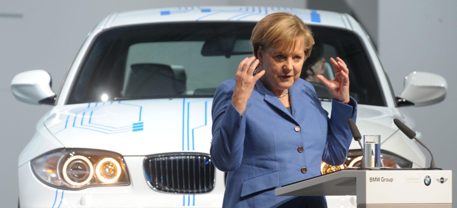 EINMALIGE VERWENDUNG Merkel/ BMW