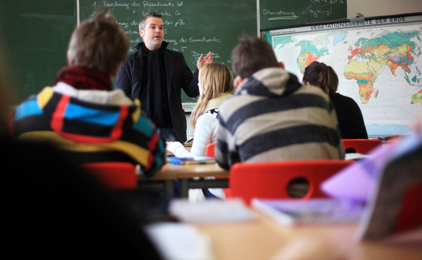 Hauptschule / Hauptschüler / Lehrer