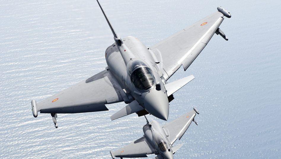 """""""Eurofighter"""" im Probeflug: Streit um den Abschuss von Terrorflugzeugen"""