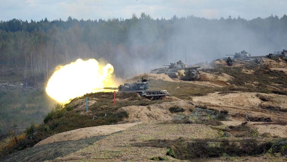 Panzerfeuer bei Übung in Weißrussland (2013)