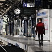 Leerer Bahnsteig in Brüssel: Kein Zug fährt