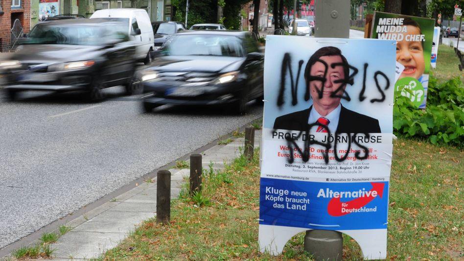 Verunstaltetes AfD-Plakat