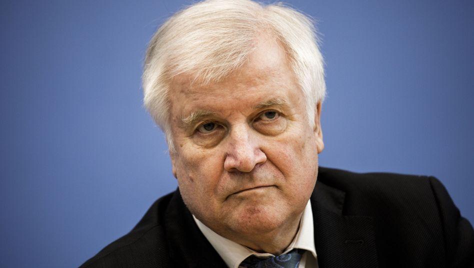 Innenminister Horst Seehofer: 40 Prozent Rückführungen gescheitert