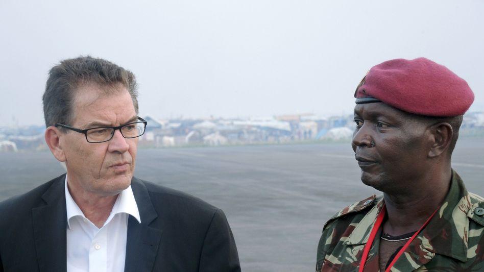 """Entwicklungsminister Müller in Bangui: """"Dort hingehen, wo die Not am größten ist"""""""