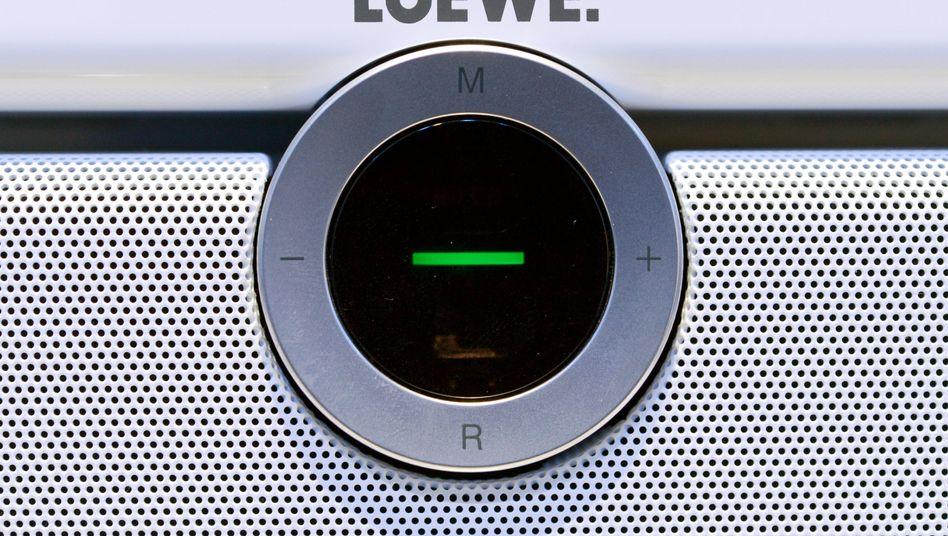 """Logo auf einem Loewe-Fernseher: Rücktritt """"ohne jeglichen Rechtsgrund""""?"""