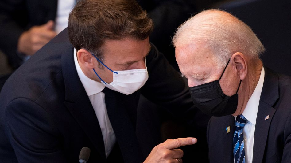 Emmanuel Macron (l.) und Joe Biden (Archivaufnahme)