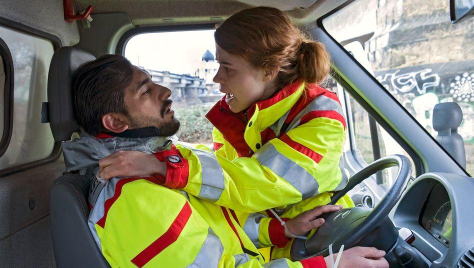 Luise Aschenbrenner als Rettungssanitäterin Blaschke: Am Limit